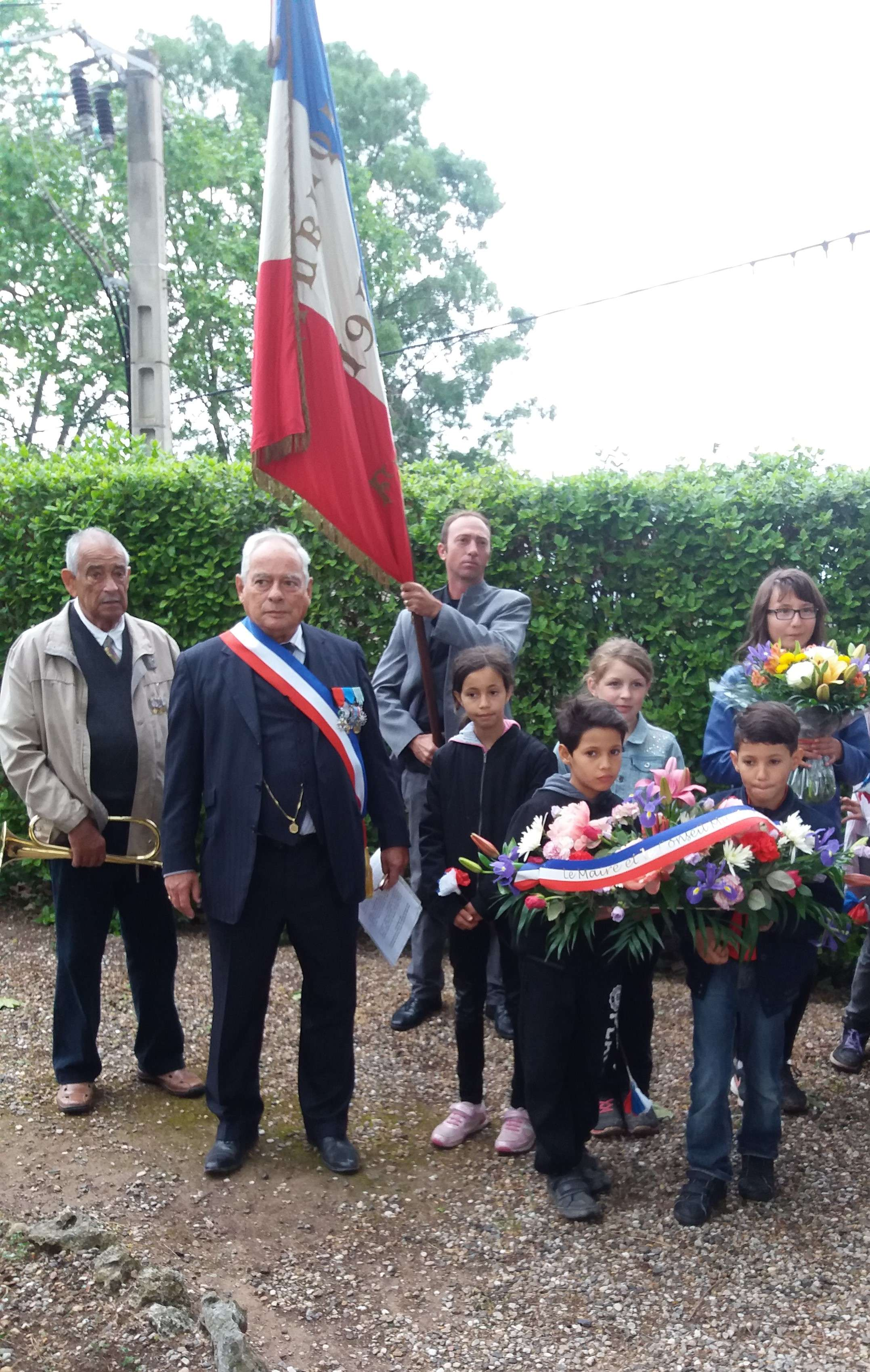8 mai 2016 Monument aux morts 1comp