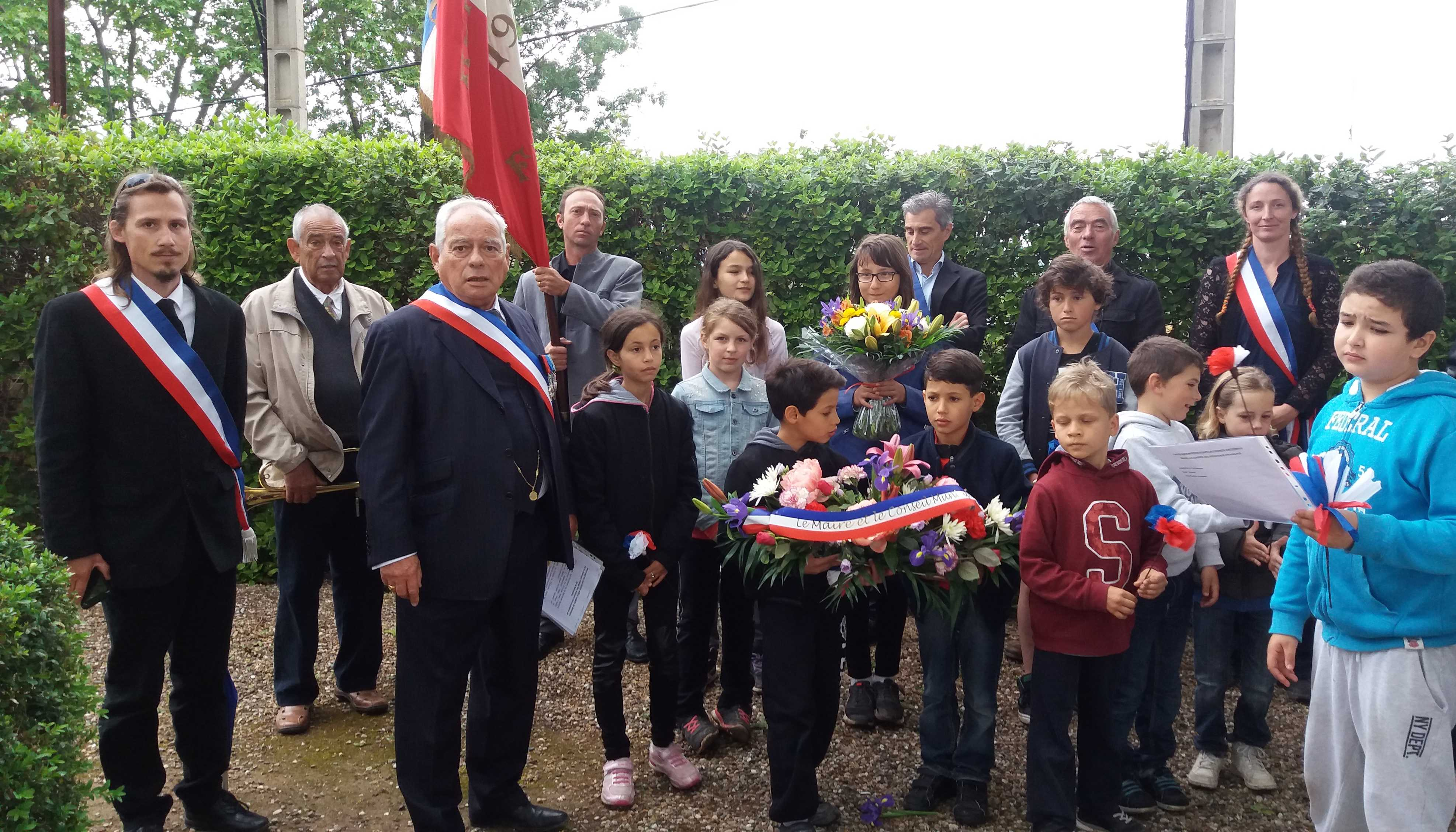 8 mai 2016 Monument aux morts 2comp