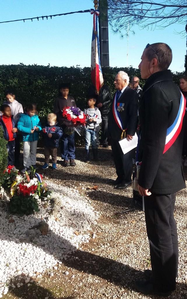 aux-morts-11-11-16-brignac-enfants-flouttes
